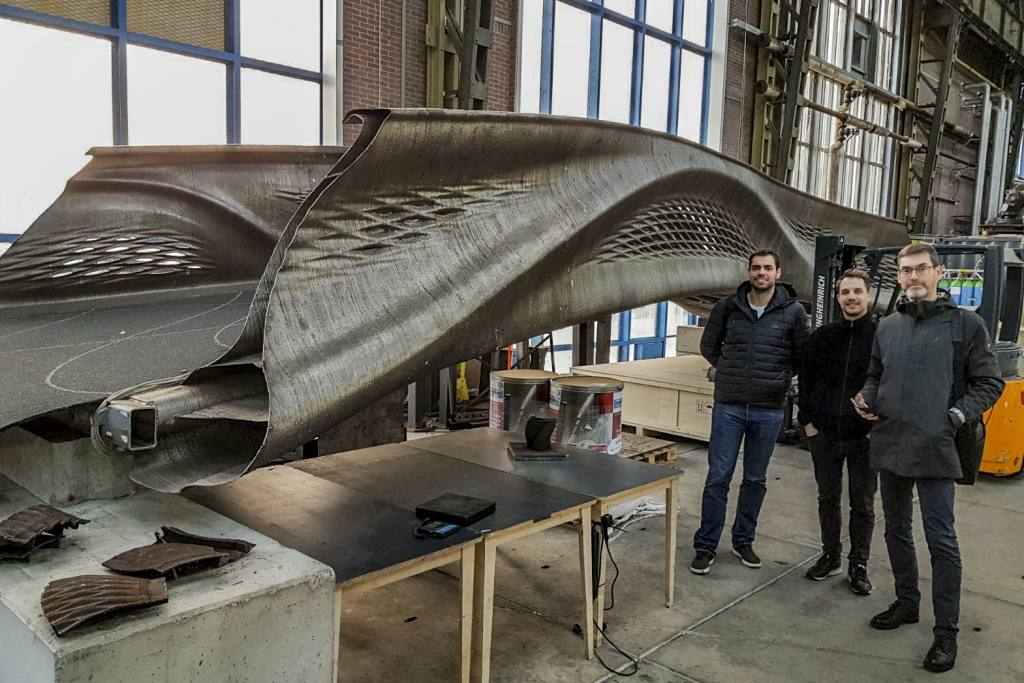 A robot-printed steel bridge can lead deeper into 3D-printing