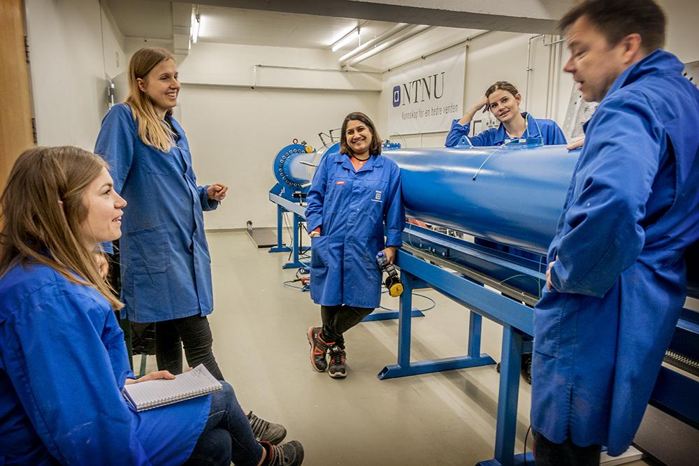 Partner NDEA access labs to study NDEA study impact and blast load on concrete. Marte Vestermo Nesje, Guri Lillehaug, Sumita Dey, Oda Toreskås and Tore Børvik