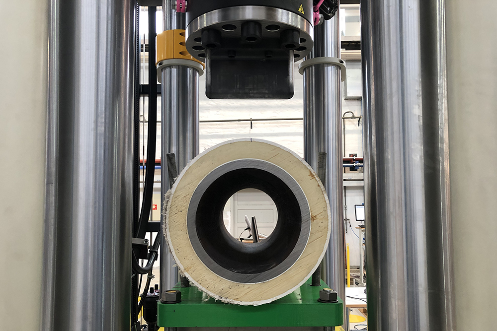 Polymer coated pipeline in test rig at SIMLab