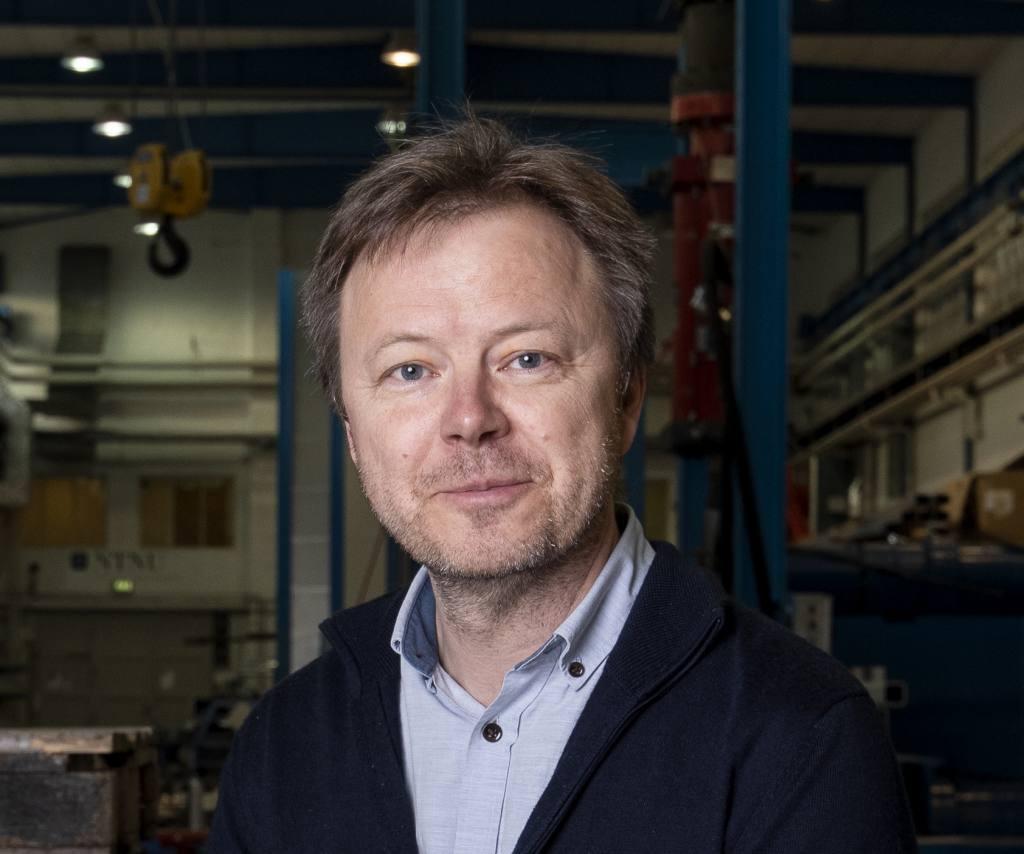 Professor Tore Børvik SIMLab and SFI CASA